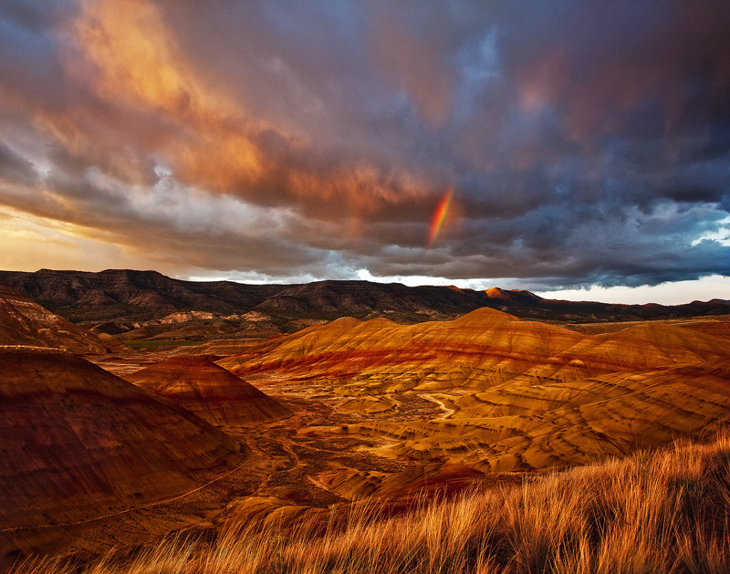 Painted Hills, John Day Fossil Beds, Oregon, rainbows, photo
