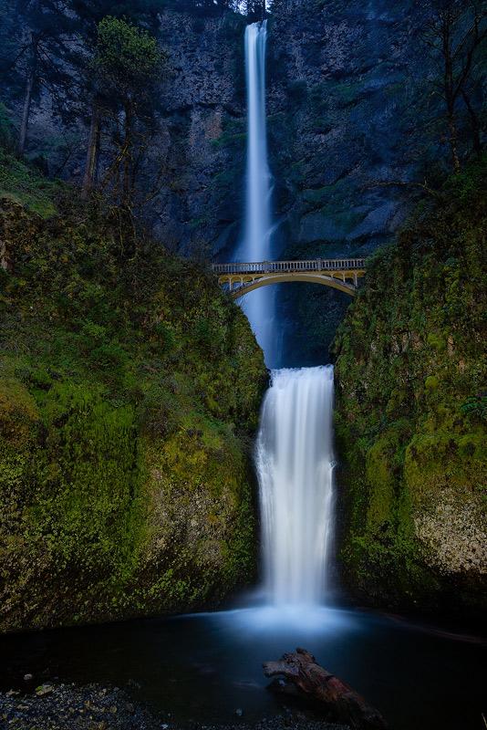 multnomah falls, oregon, columbia river gorge, photo
